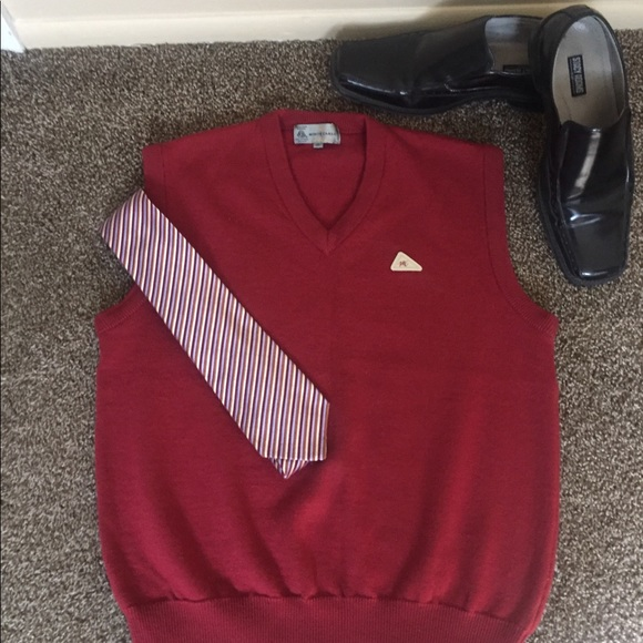 Monte Carlo Other - Monte Carlo Magna Wool Burgundy Sweater Vest